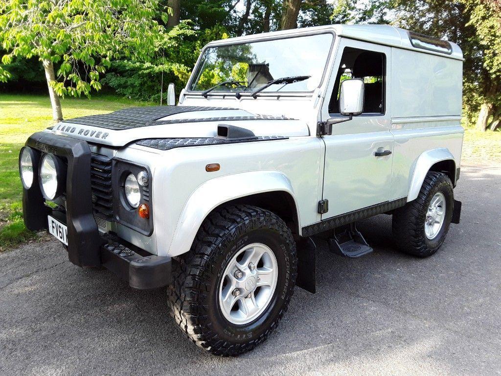 Land Rover Defender 90 SUV