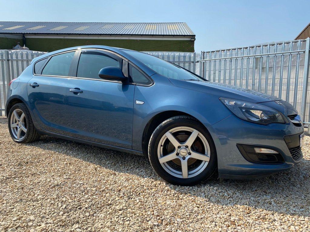 Vauxhall Astra Hatchback 1.7 CDTi ecoFLEX Design (s/s) 5dr