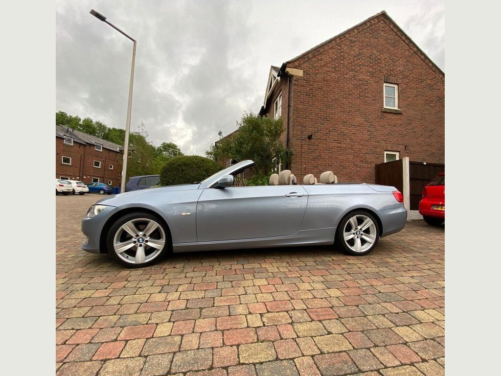 BMW 3 Series Convertible 2.0 320d SE Auto 2dr