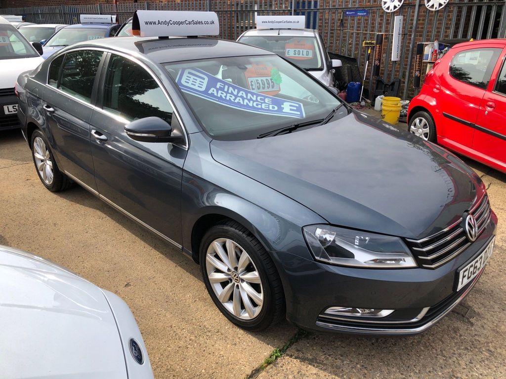 Volkswagen Passat Saloon 2.0 TDI BlueMotion Tech Highline (s/s) 4dr