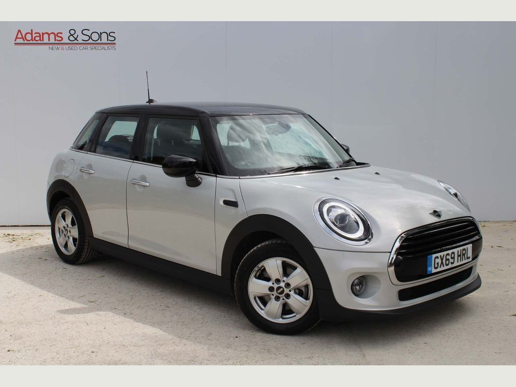 MINI Hatch Hatchback 1.5 Cooper Classic Steptronic (s/s) 5dr