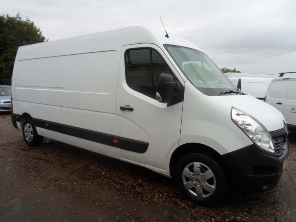 RENAULT MASTER Panel Van 2.3 dCi 35 Business+ L3H2 FWD 5dr