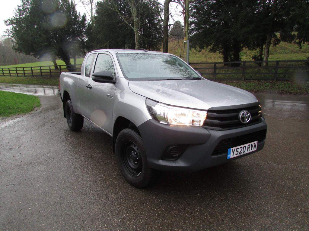 Toyota Hilux Pickup 2.4 D-4D Active Extra Cab Pickup 4WD EU6 4dr (3.5t)