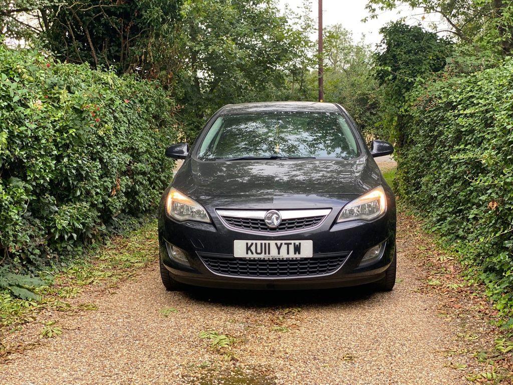 Vauxhall Astra Hatchback 1.7 CDTi ecoFLEX Exclusiv 5dr