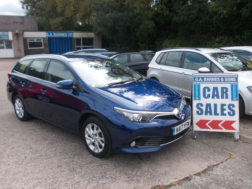 Toyota Auris Estate 1.2 VVT-i Icon Touring Sports (s/s) 5dr (Safety Sense)