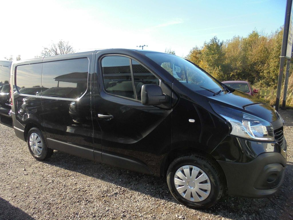 RENAULT TRAFIC Panel Van 1.6 dCi 27 Business L1H1 5dr (Ready 4 Work Storage)