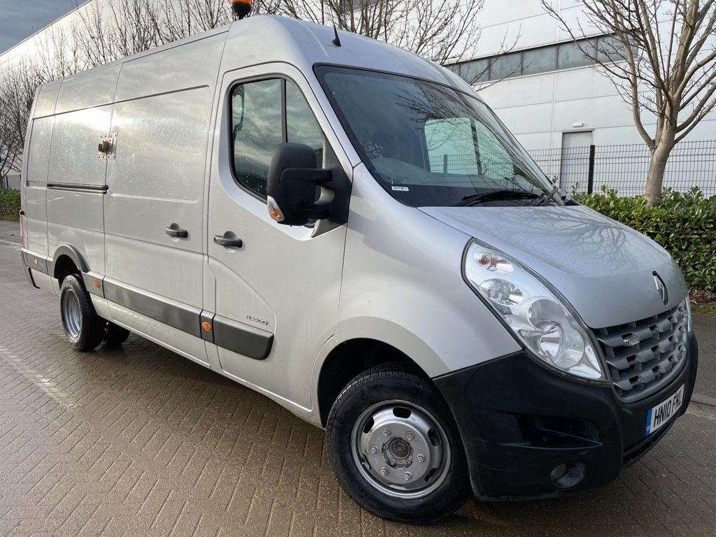 Renault Master Panel Van 2.3 dCi 35 Long Overhang Panel Van RWD MWB Medium Roof EU5 5dr (TRW)
