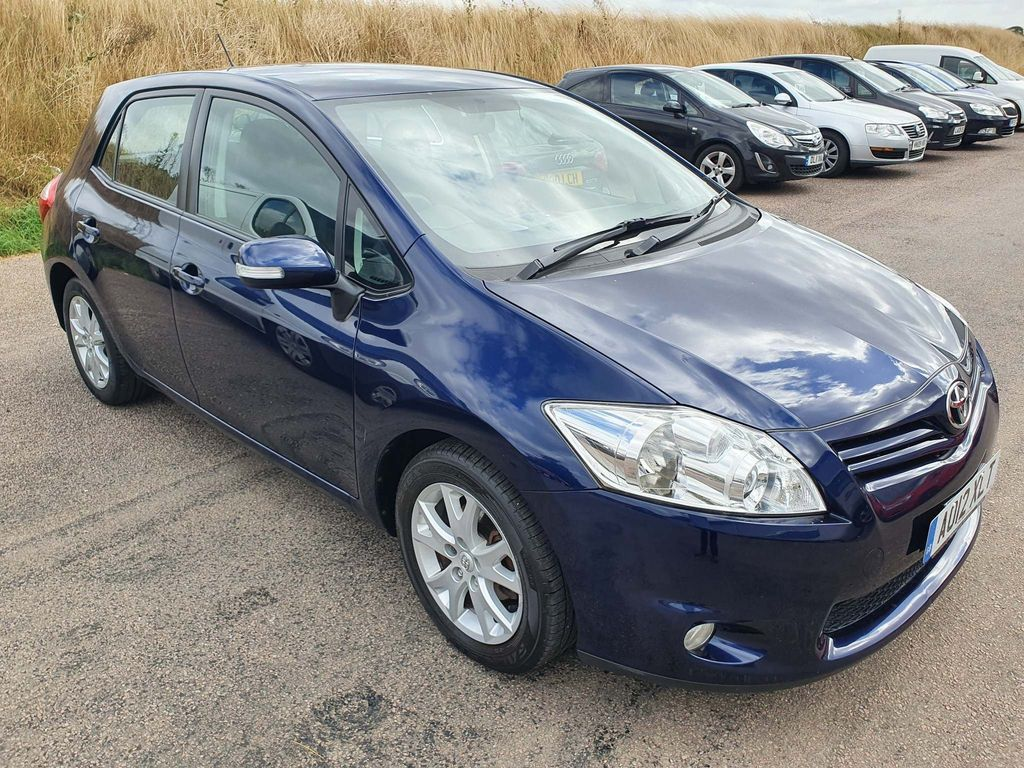 Toyota Auris Hatchback 1.33 VVT-i Colour Collection 5dr
