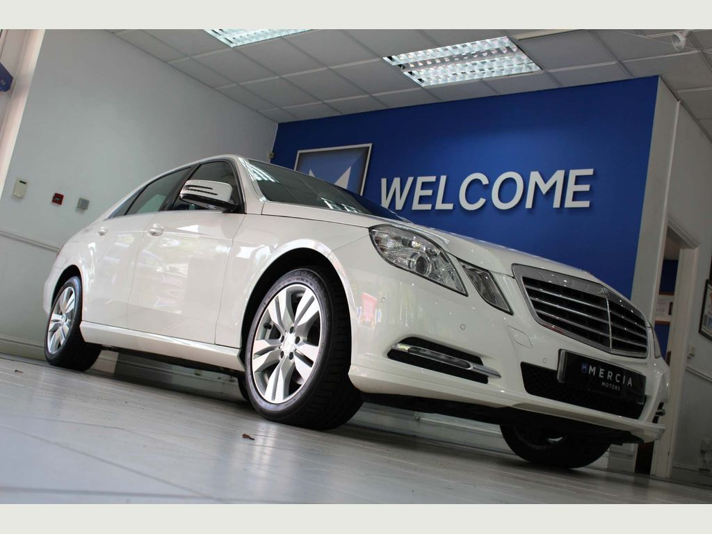 MERCEDES-BENZ E CLASS Saloon 1.8 E200 BlueEFFICIENCY SE 7G-Tronic Plus (s/s) 4dr
