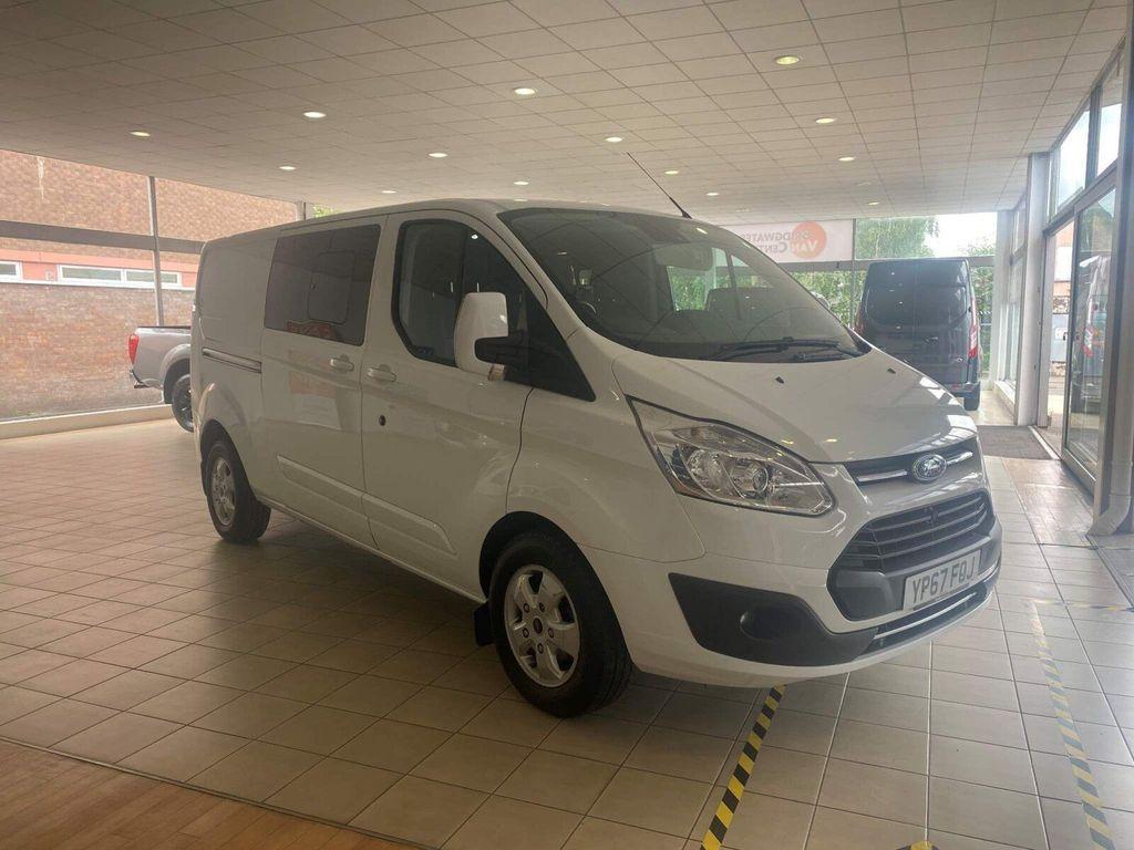Ford Transit Custom Panel Van 2.0 TDCi 290 Limited Double Cab-in-Van L2 H1 6dr (EU6)
