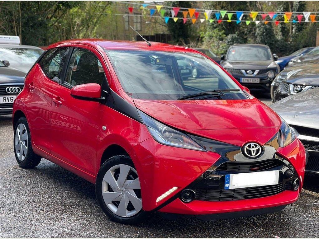 Toyota AYGO Hatchback 1.0 VVT-i x-play x-shift 5dr