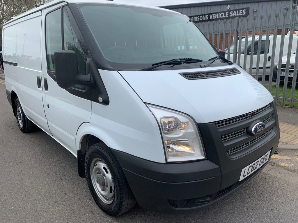 Ford Transit Panel Van 2.2 TDCi 300 Low Roof Panel Van S 5dr (SWB)