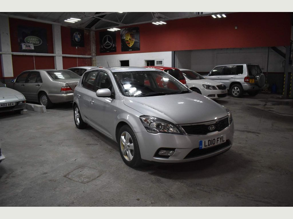 Kia Ceed Hatchback 1.6 2 5dr