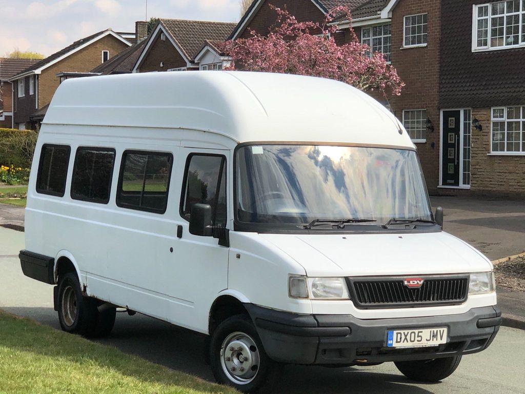 LDV Convoy Minibus 2.4 dt 75 3.5t Bus 17 seats 4dr
