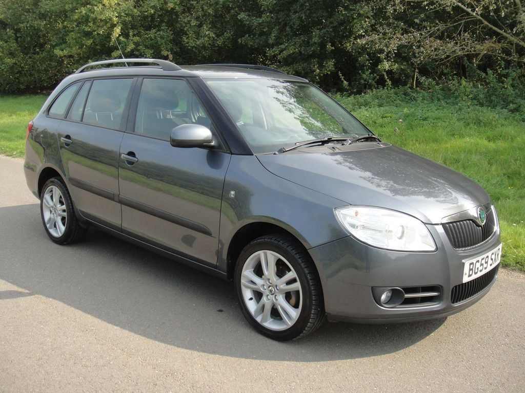 SKODA Fabia Estate 1.6 16v 3 Tiptronic 5dr