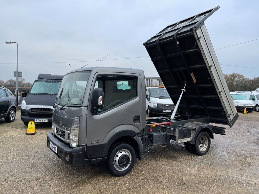Nissan Unlisted Tipper DCI 35.14 TIPPER