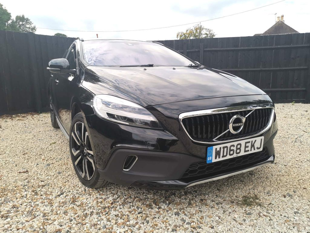 Volvo V40 Cross Country Hatchback 1.5 T3 GPF Pro Auto (s/s) 5dr