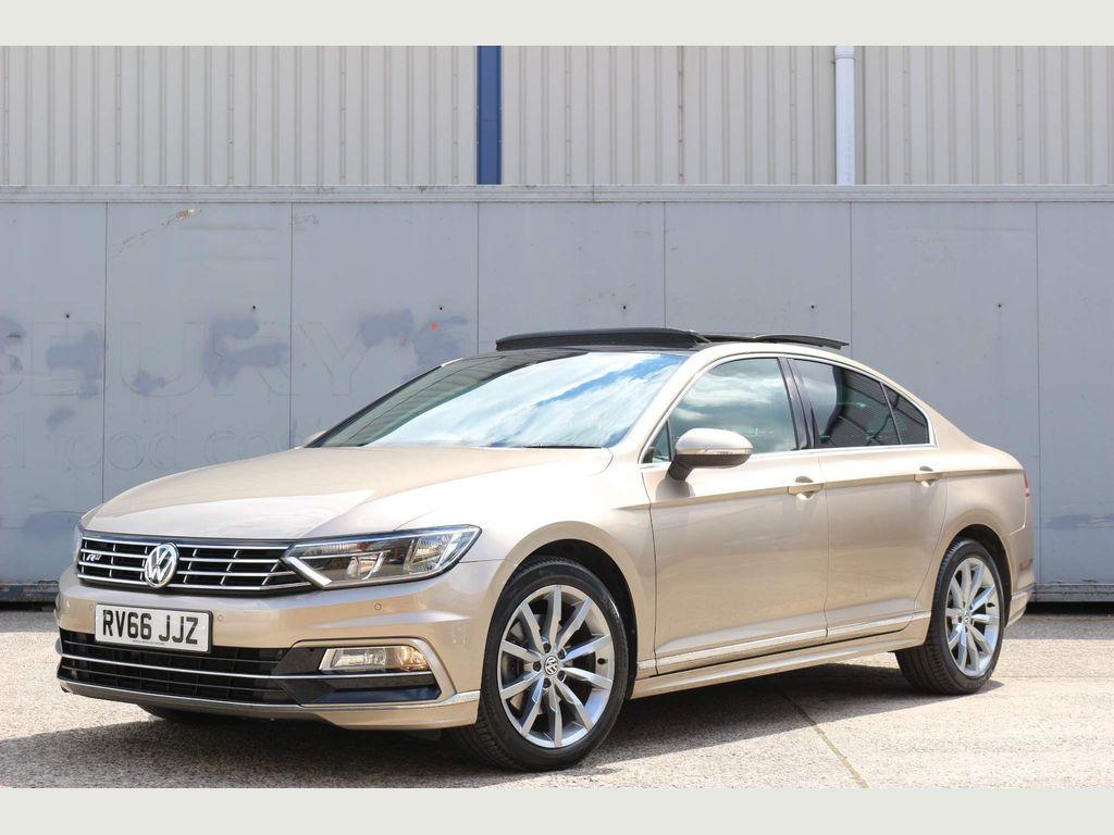 Volkswagen Passat Saloon 2.0 TDI BlueMotion Tech R-Line DSG (s/s) 4dr