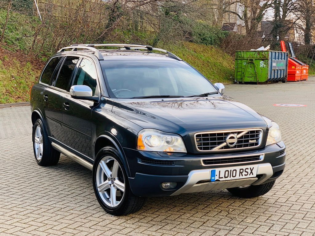 Volvo XC90 SUV 2.4 D5 R-Design SE Geartronic AWD 5dr
