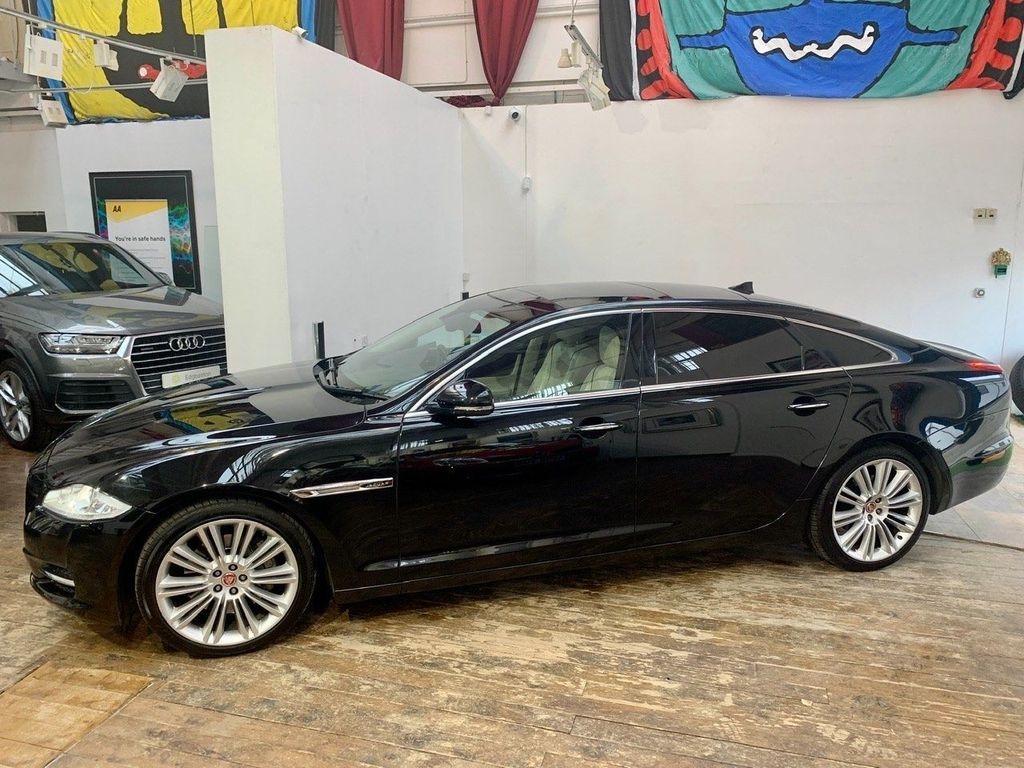 Jaguar XJ Saloon 3.0 TD V6 Supercharged Portfolio LWB Saloon (s/s) 4dr
