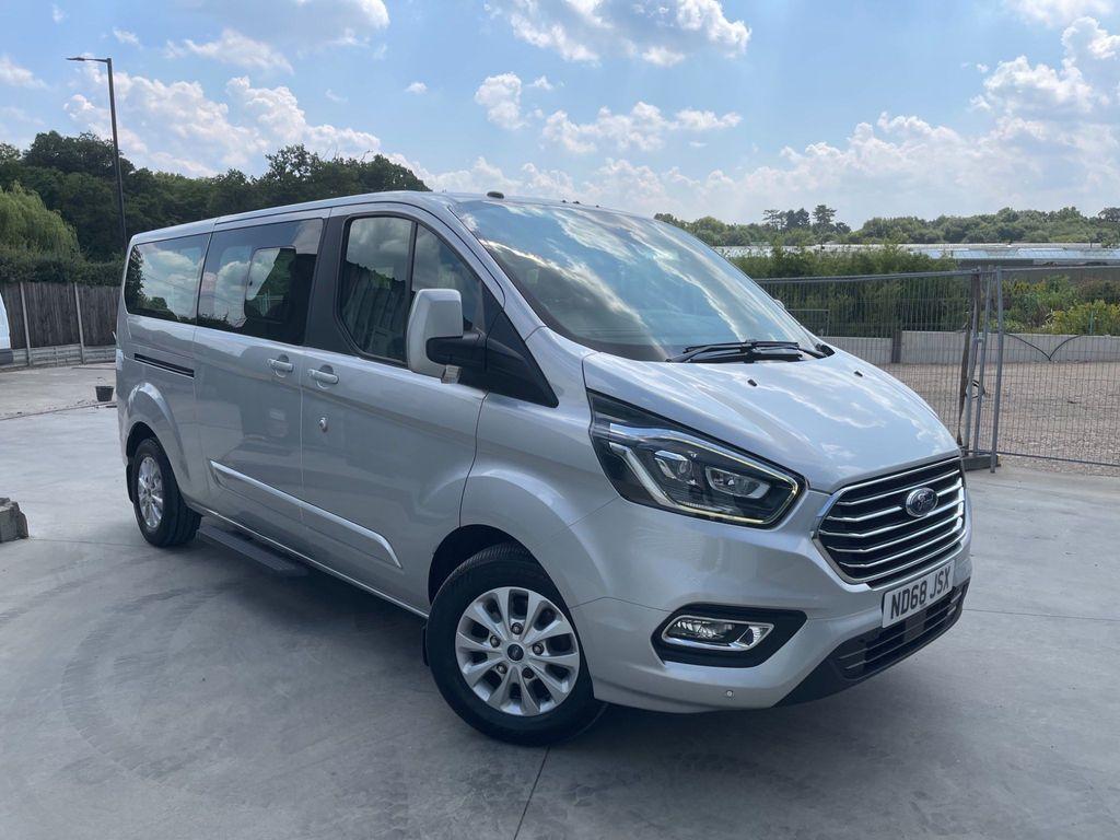 Ford Tourneo Custom Minibus 2.0 320 EcoBlue Titanium Auto L2 EU6 (s/s) 5dr (8 Seat)