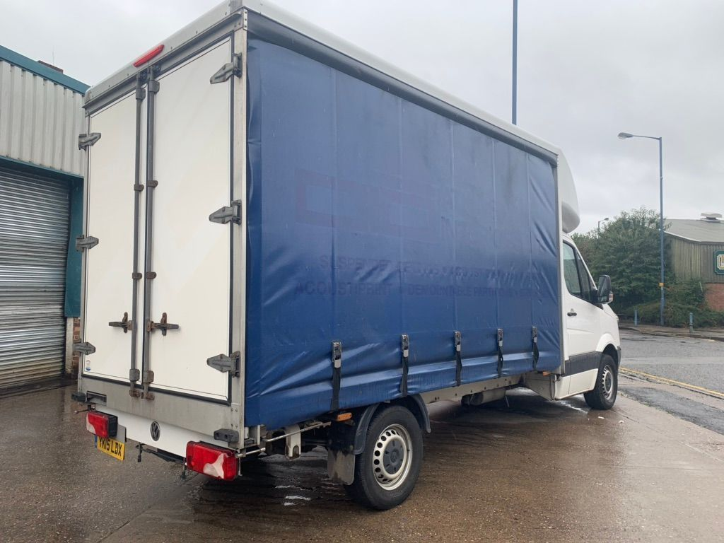 VOLKSWAGEN CRAFTER Curtain Side 2.0 TDI CR35 LWB Chassis Cab 2dr (LWB)