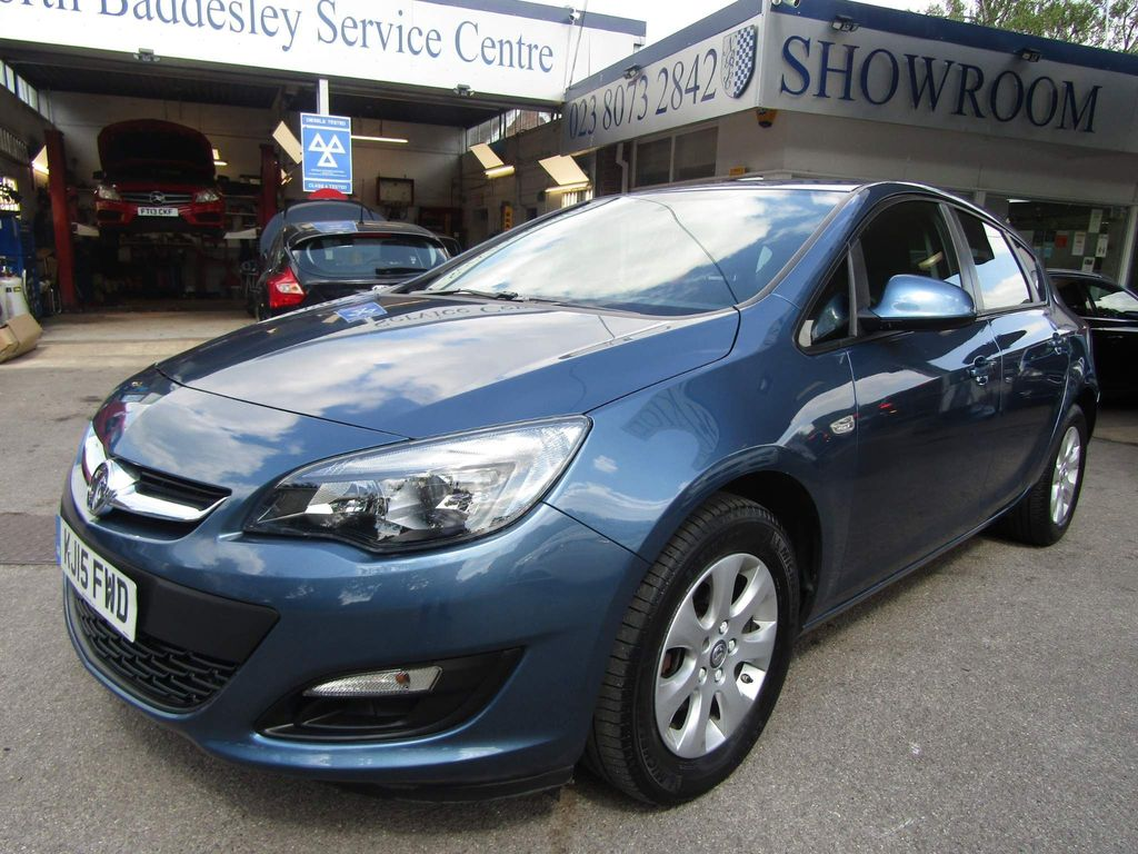 Vauxhall Astra Hatchback 1.6 CDTi ecoFLEX 99g Design (s/s) 5dr