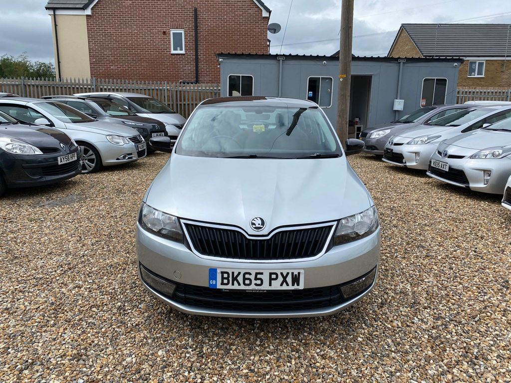 SKODA Rapid Spaceback Hatchback 1.4 TDI SE Sport Spaceback (s/s) 5dr