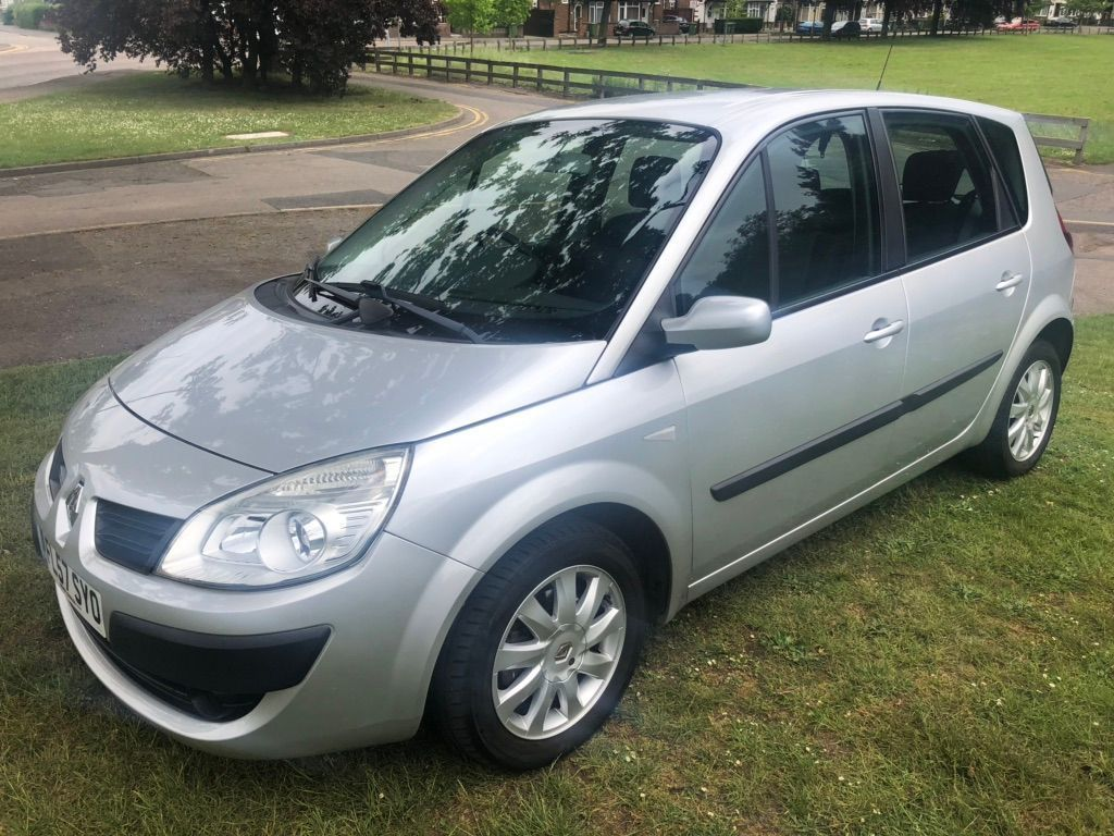 Renault Scenic MPV 1.6 VVT Authentique 5dr