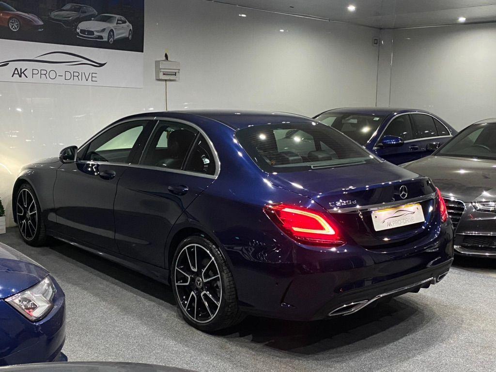 Mercedes-Benz C Class Saloon 2.0 C220d AMG Line (Premium) G-Tronic+ (s/s) 4dr