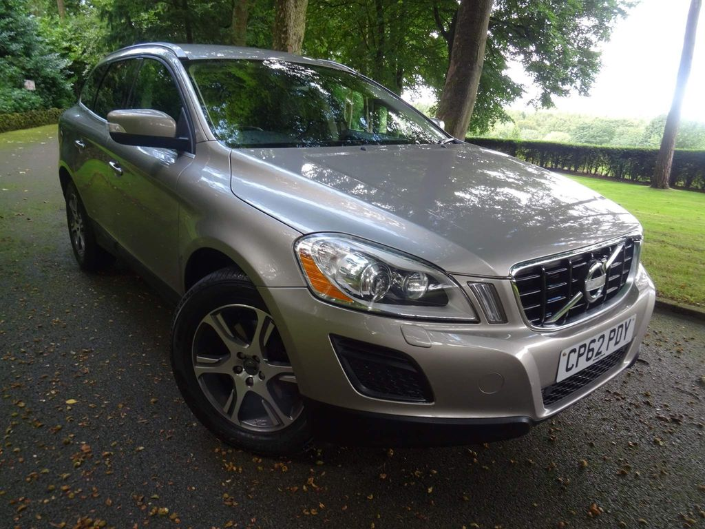 Volvo XC60 SUV 2.4 D4 SE Lux Nav Geartronic AWD 5dr