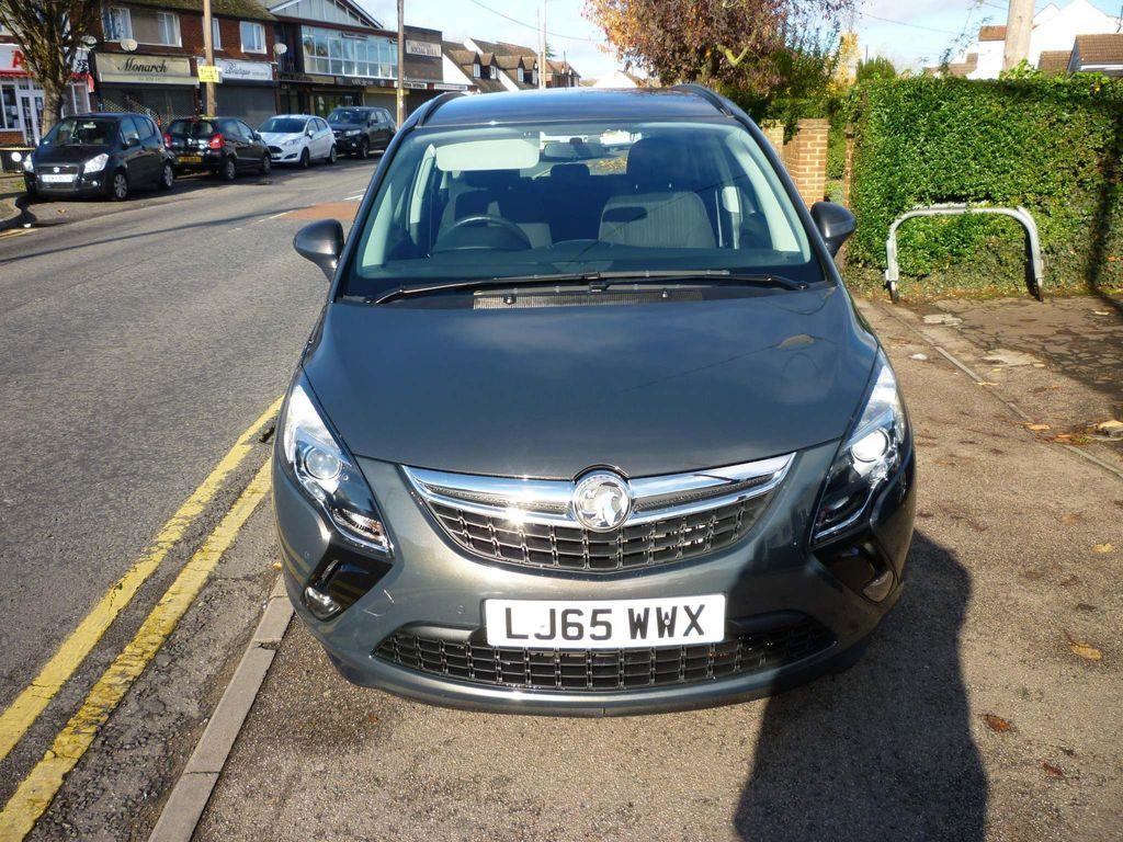 Vauxhall Zafira Tourer MPV 1.8 i Exclusiv 5dr