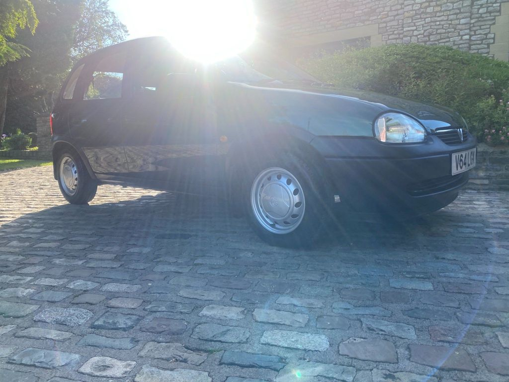 Vauxhall Corsa Hatchback 1.0 i 12v Envoy 5dr