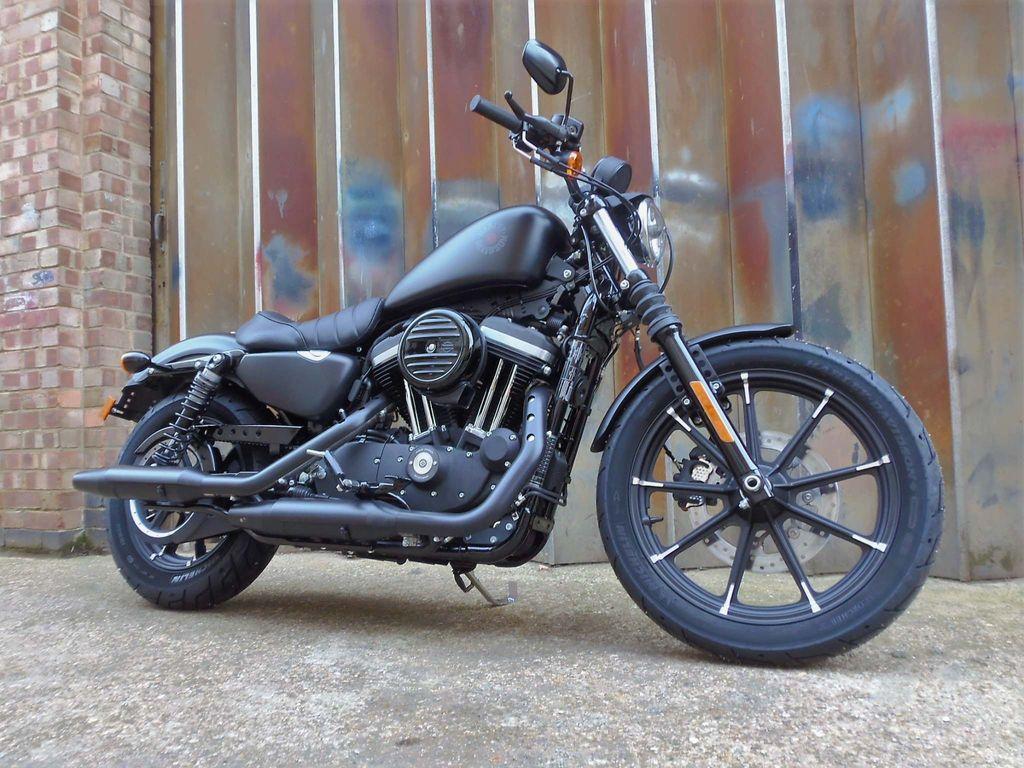 Harley-Davidson Sportster Custom Cruiser 883 XL N Sportster Iron