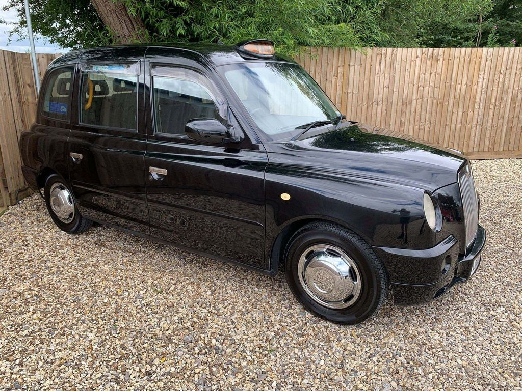 London Taxis International TX4 MPV Elegance - Excellent condition through out