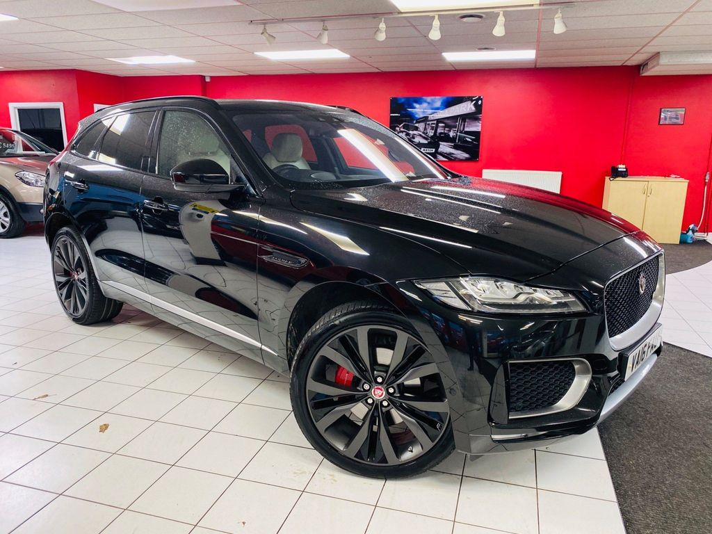 Jaguar F-PACE SUV 3.0d V6 First Edition Auto AWD (s/s) 5dr