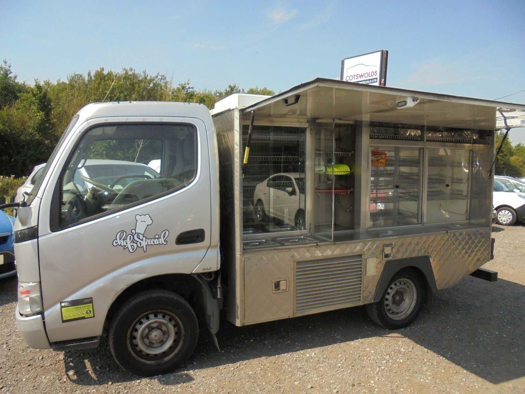 Toyota Dyna Chassis Cab 3.0 D-4D 300 SWB 2dr
