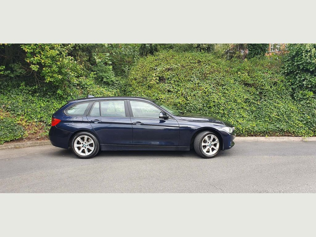 BMW 3 Series Estate 3.0 330d SE Touring Sport Auto xDrive (s/s) 5dr