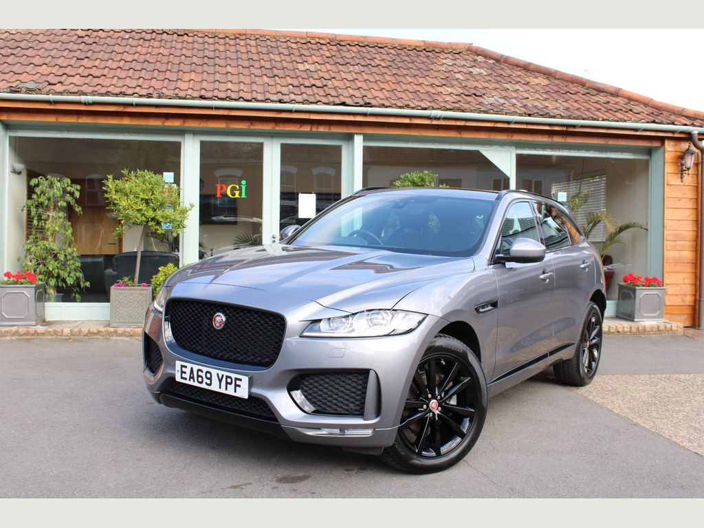 Jaguar F-PACE SUV 2.0d Chequered Flag Auto AWD (s/s) 5dr