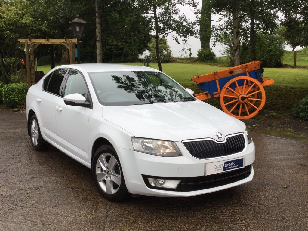 SKODA Octavia Hatchback 2.0 TDI SE Business 5dr