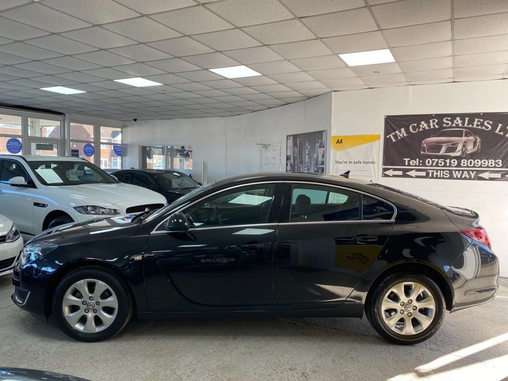Vauxhall Insignia Hatchback 1.6 CDTi Tech Line Auto 5dr