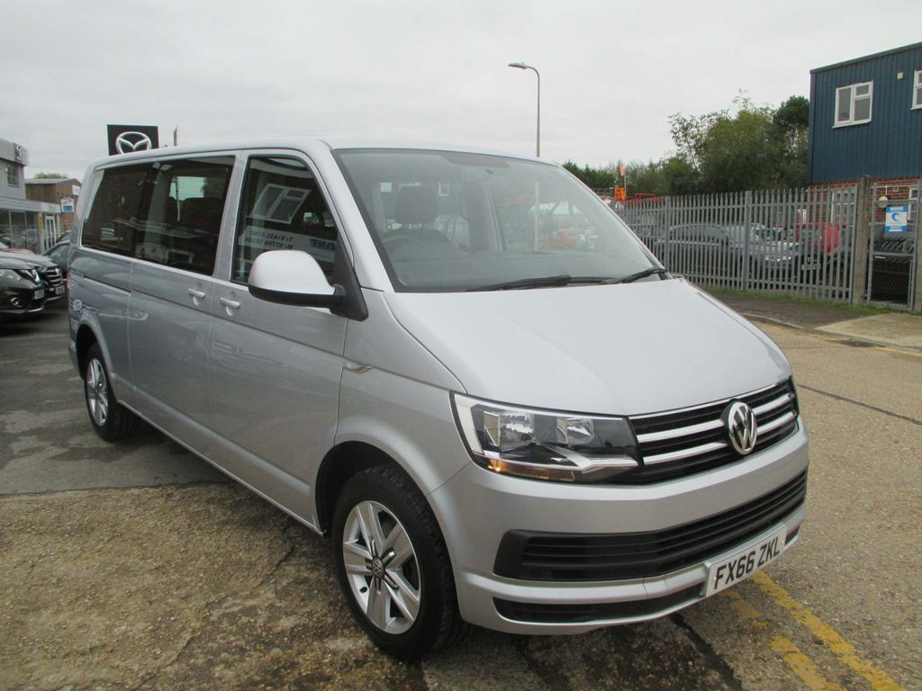 Volkswagen Transporter Shuttle Other 2.0 TDI T32 BlueMotion Tech SE DSG FWD 5dr