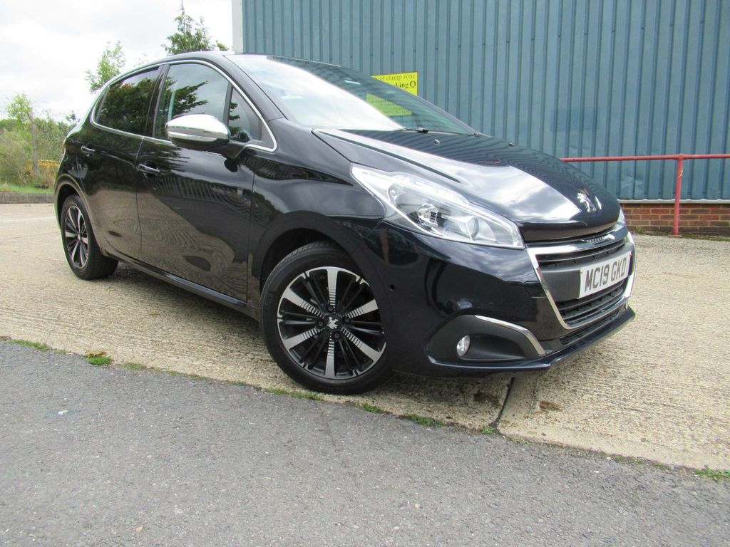 Peugeot 208 Hatchback 1.2 PureTech Tech Edition EAT (s/s) 5dr