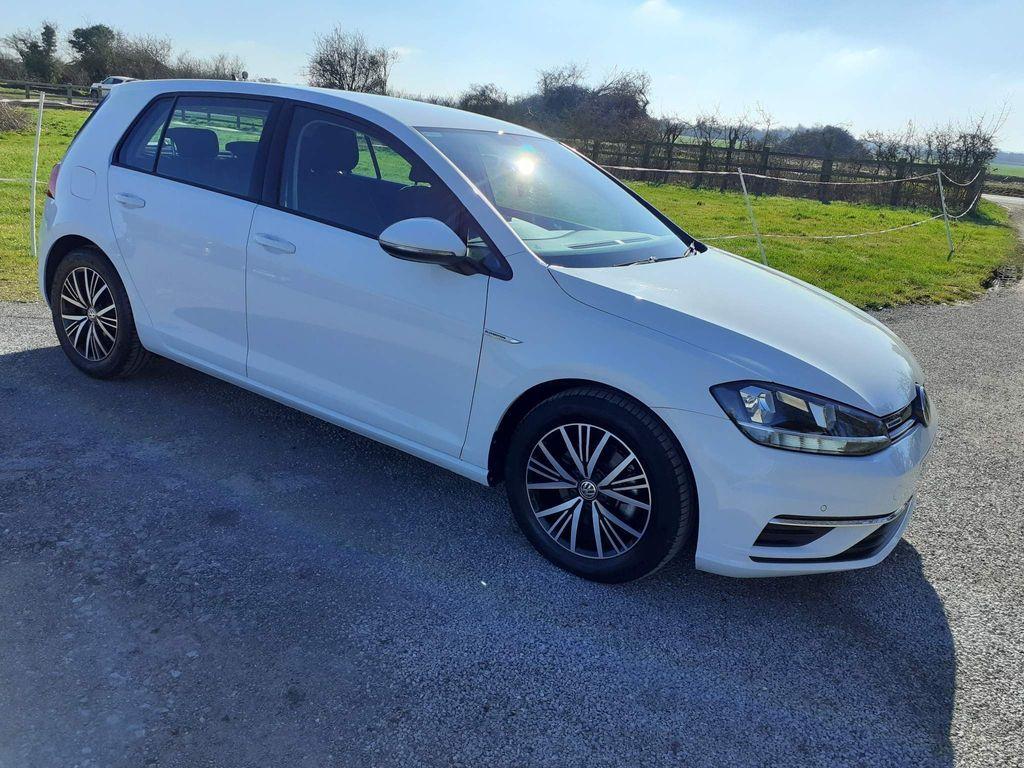 Volkswagen Golf Hatchback 1.5 TSI EVO BlueMotion Tech SE Nav DSG (s/s) 5dr