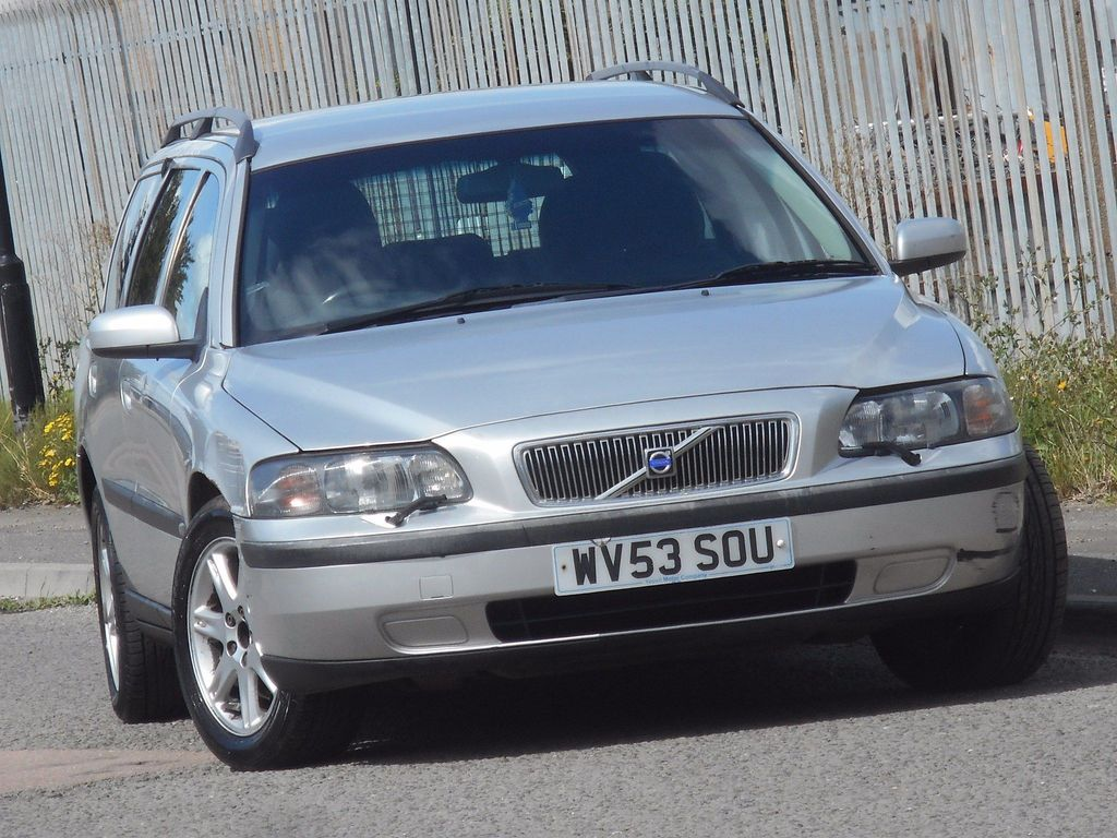 Volvo V70 Estate 2.4 S 5dr