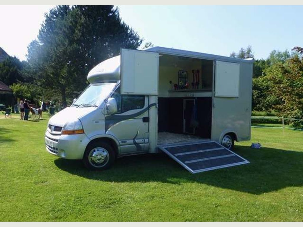 Renault Master Box Van 2.5 dCi LM35 Medium Roof Van (FWD) 4dr (LWB)