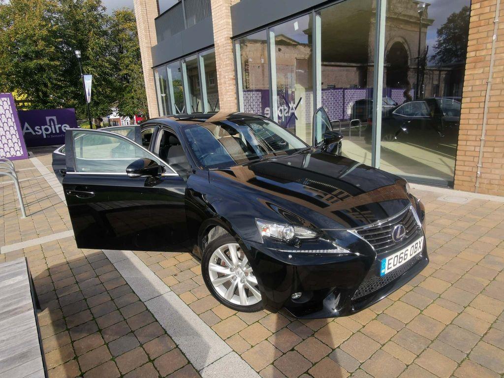 Lexus IS 300 Saloon 2.5 Advance E-CVT 4dr