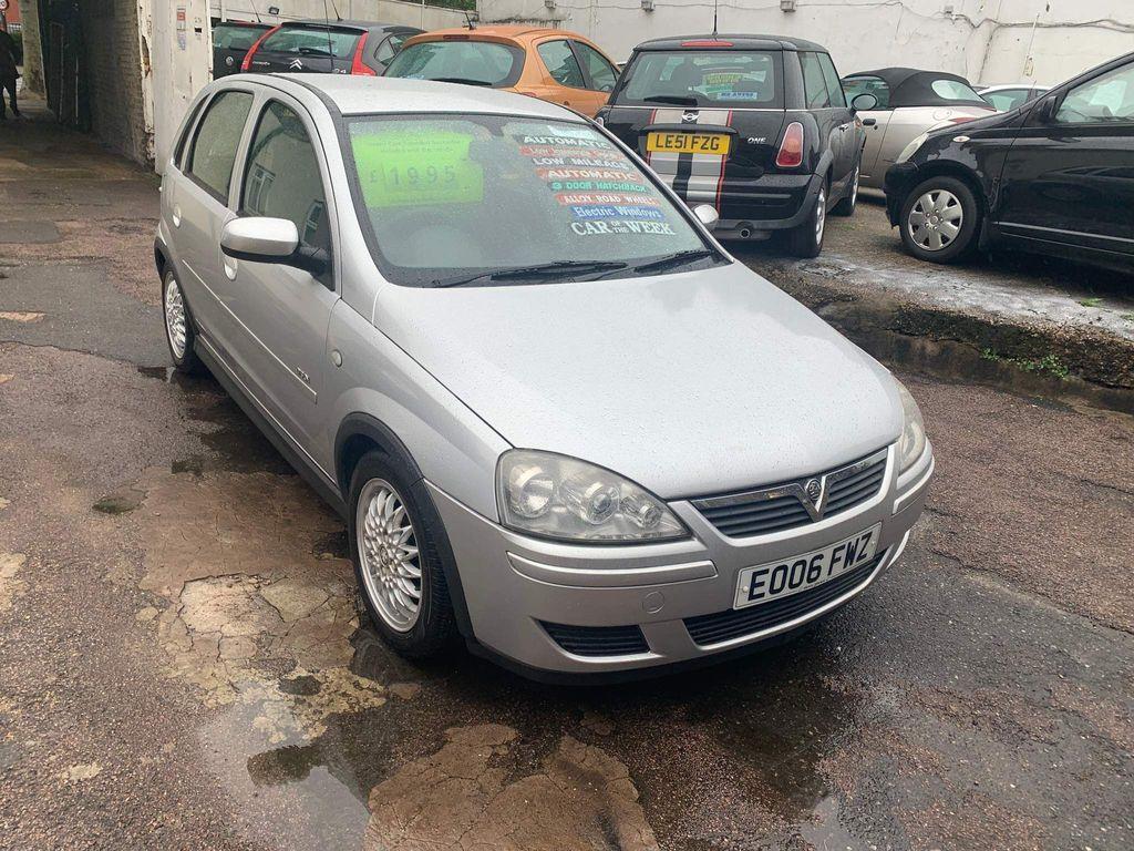 Vauxhall Corsa Hatchback 1.2 i 16v Design Easytronic 5dr (a/c)