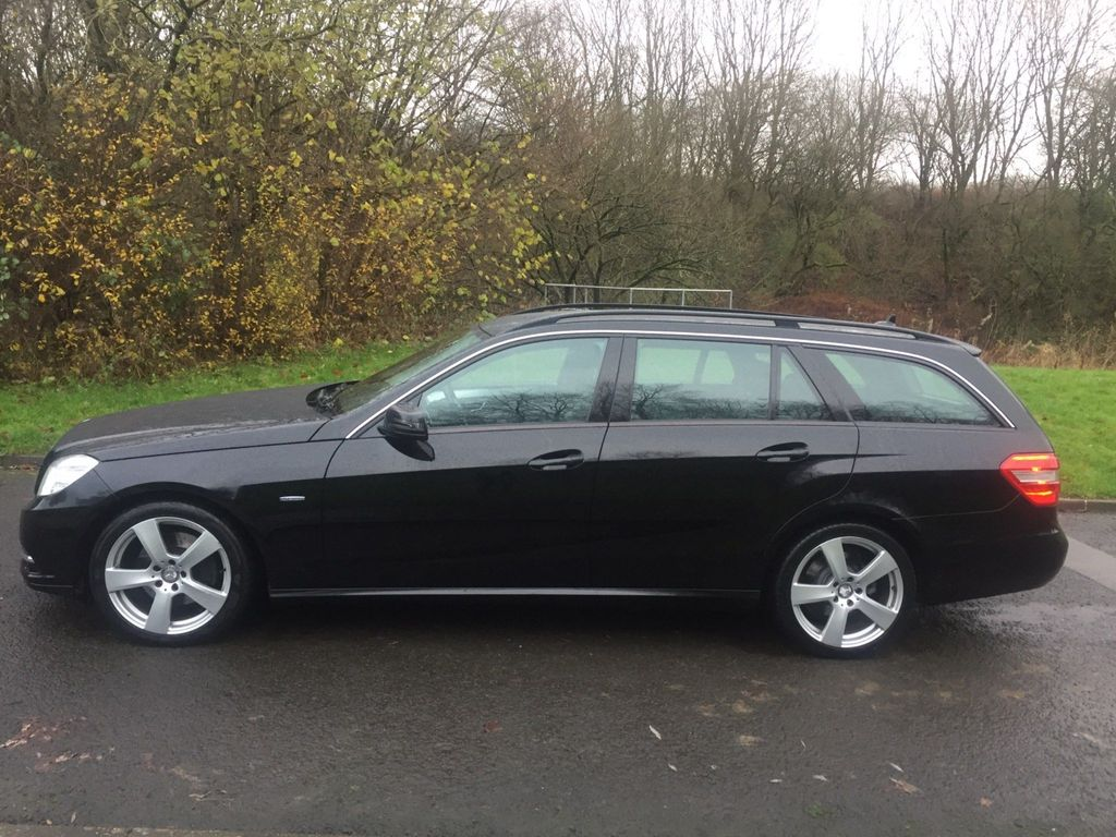 Mercedes-Benz E Class Estate 2.1 E220 CDI BlueEFFICIENCY SE Auto 5dr