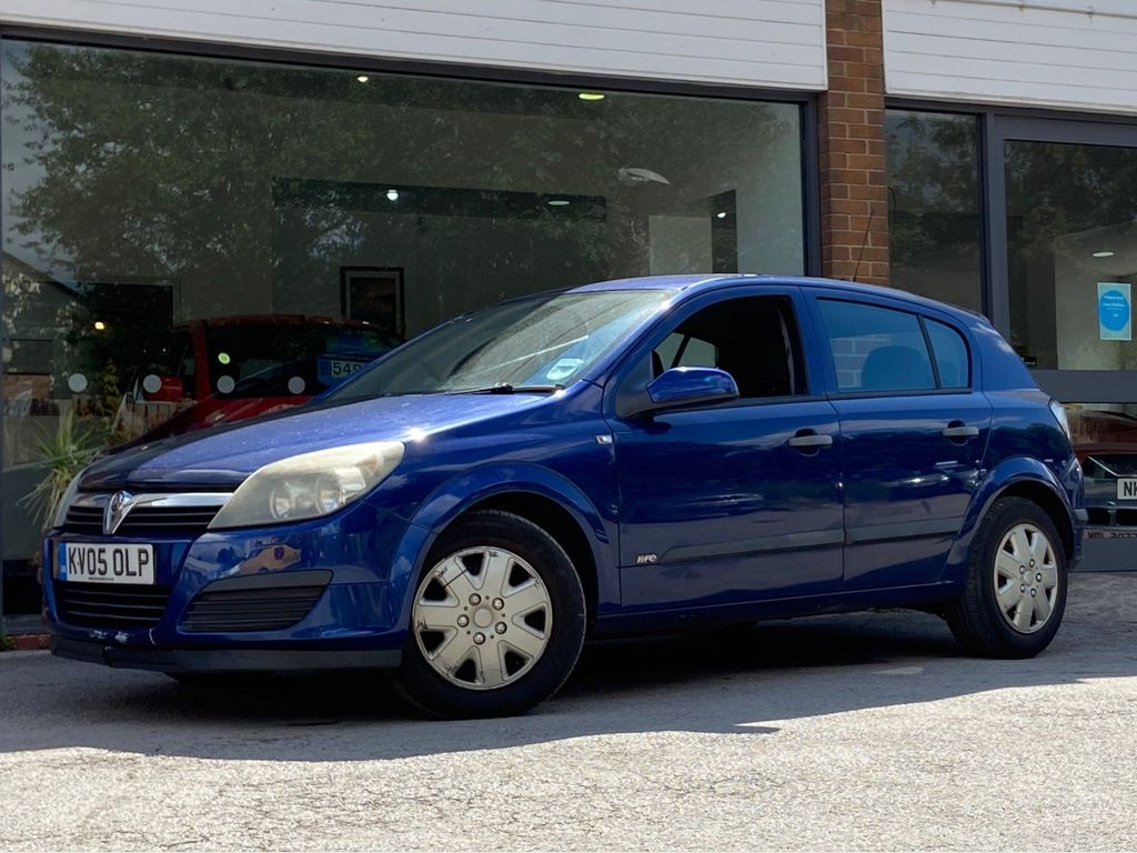 Used Vauxhall Astra Hatchback 1.7 Cdti 16v Life 5dr in ...